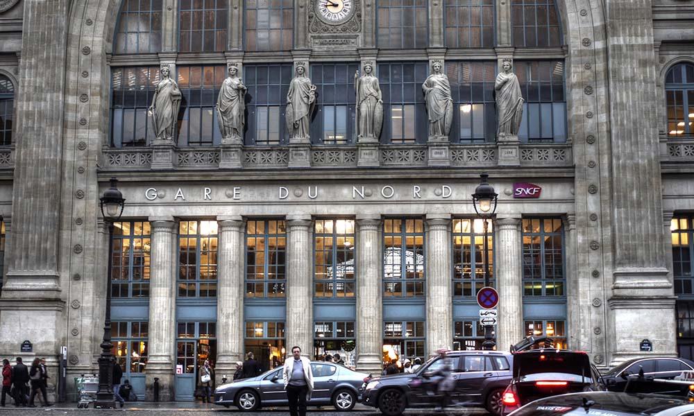 social customs in Paris - transportation culture in france