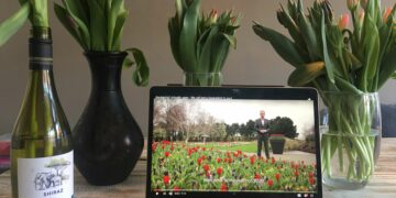 Visit gardens globally via virtual reality