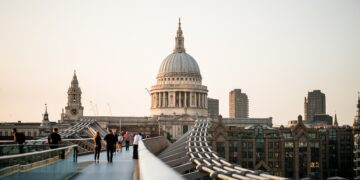 Day trips from London, millenium bridge, st paul's cathedral