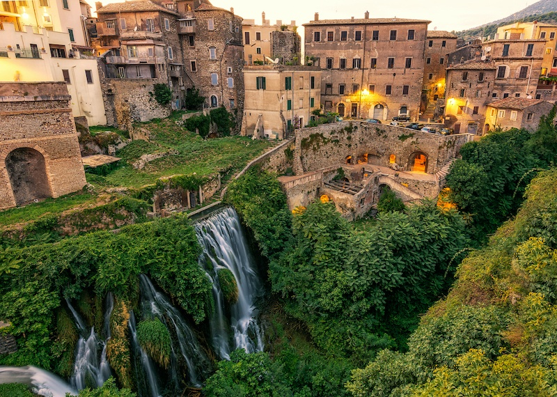 You can take a day trip from Tivoli to Rome