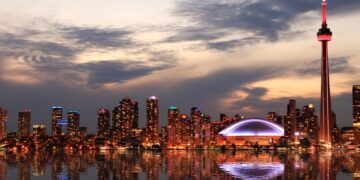 20 Facts About Toronto That Will Make You Want to Go There