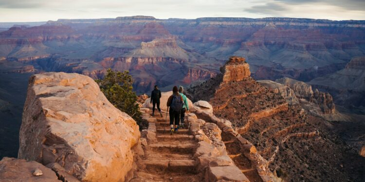 Hikers at the Grand Canyon