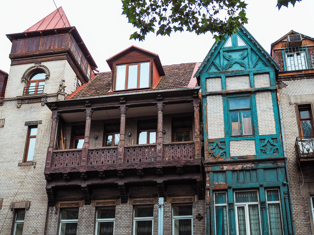 Emily-Lush-Tbilisi-houses. Always traveling? Or maybe you want to know more about the life of a travel blogger?