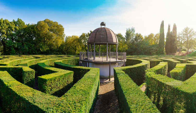 The amazing maze of Parco Giardino Sigúrta was designed by Count Giuseppe Sigúrta himself.