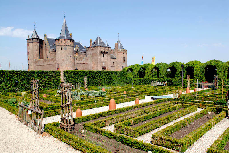 The gardens at Muiderslot castle feature plenty of vegetables and herbs