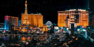The Ultimate Las Vegas Itinerary: Pools, Poker and Partying in the World's Wildest Town